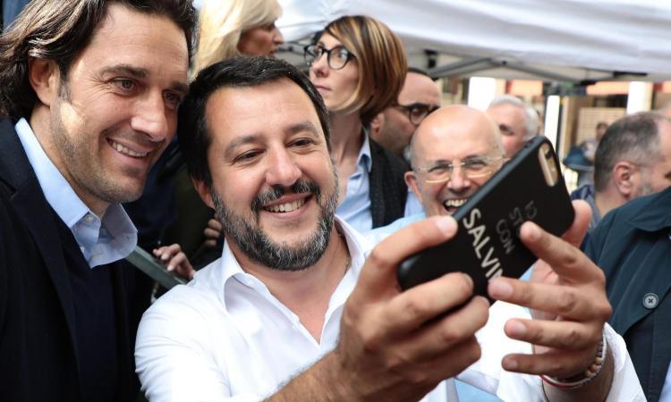 Salvini, comizio in Piazza Duomo: 'Sul Milan...' VIDEO