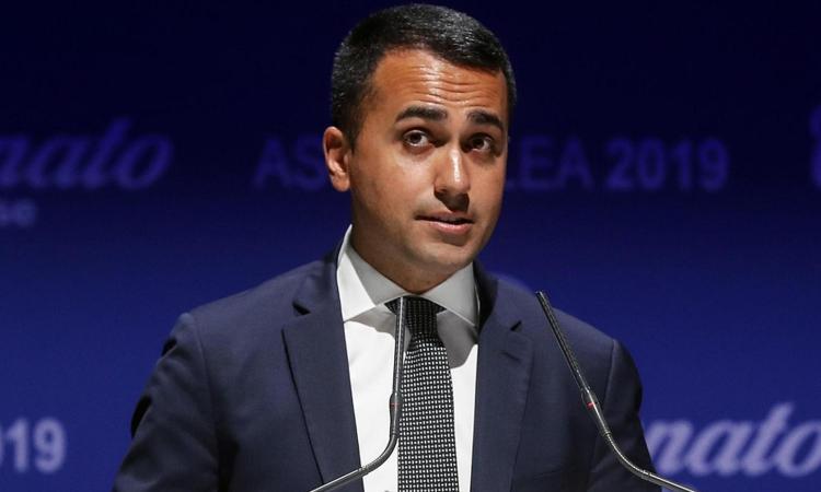 Di Maio: 'Sarri alla Juve spiace, ci vorrebbe il vincolo di mandato...'