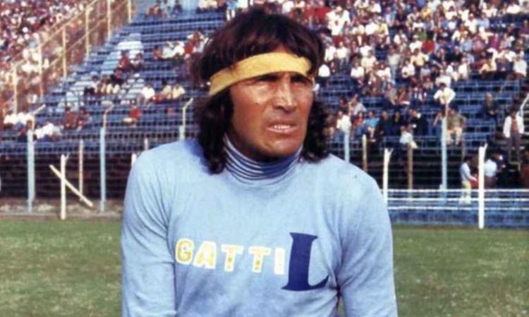 Lo sciamano Gatti, il vero 'matto' del calcio argentino: 'Se fissi la palla la puoi mandare dove vuoi'