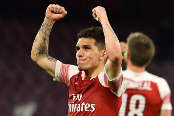 Torreira pugni al cielo Arsenal