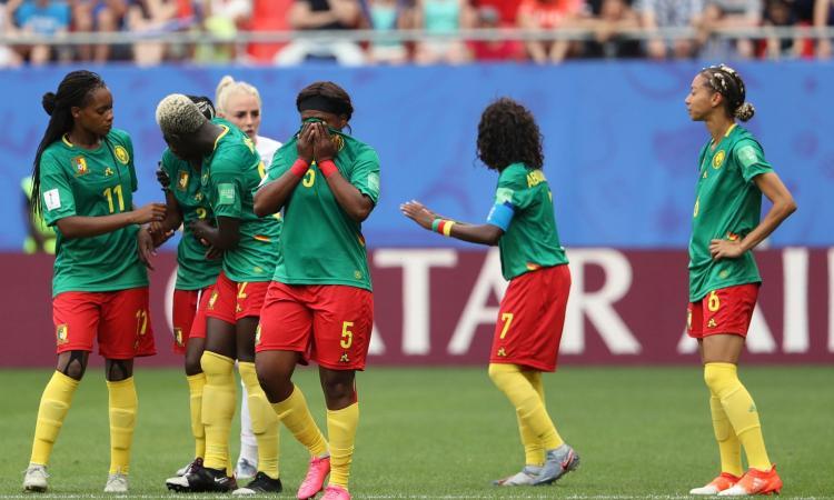 Caos Var ai Mondiali femminili: il Camerun minaccia di abbandonare il campo