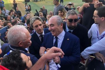 commisso, fiorentina, abbracciato, folla, 2019