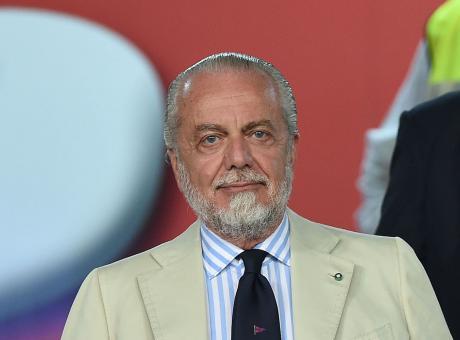 De Laurentiis: 'Sarri, tuta e bestemmie. Come si adeguerà allo stile Juve? Sarà bello quando Ancelotti lo batterà'