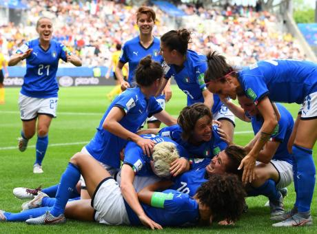 L'Ital-donne vola: anche questo è calcio, finalmente se ne accorgono tutti