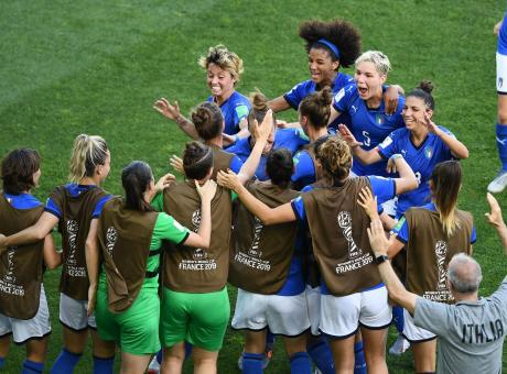 Azzurre, è storia! Quanto è bello essere italiani: con una difesa così la semifinale è possibile