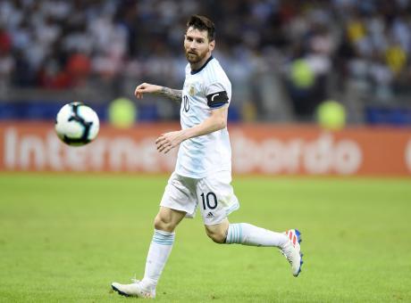 Coppa America: Messi e Armani salvano l'Argentina, 1-1 col Paraguay. James-Duvan, la Colombia vola