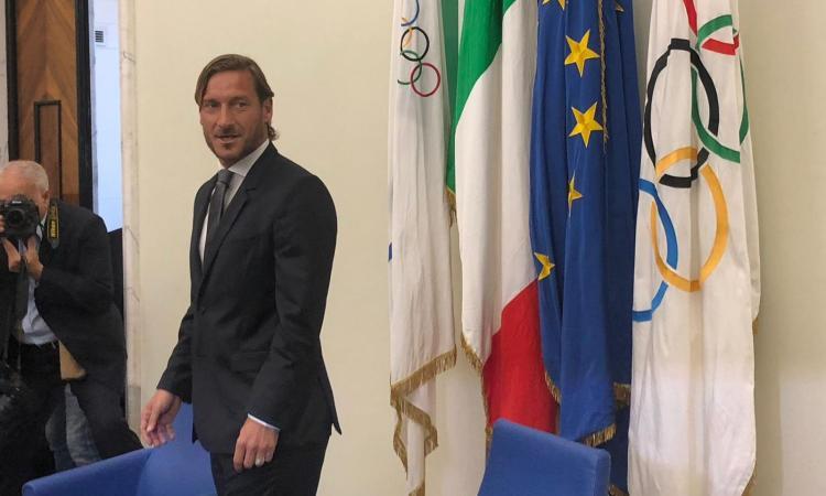 Stiamo con Totti, ma perché il Coni gli ha aperto le porte per insultare la Roma?