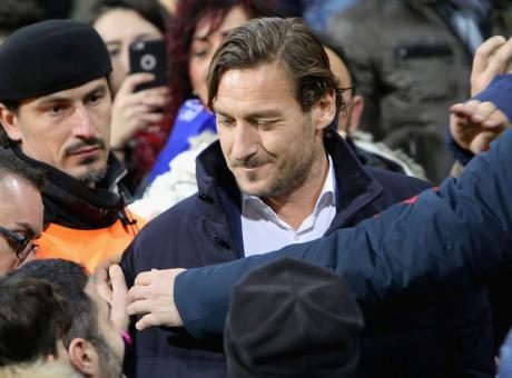 Roma, Totti vola ad Ibiza