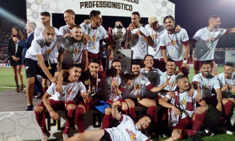 Playoff Serie C, dall'ambulanza in campo ai contrasti: il Trapani vince la battaglia col Piacenza e va in B