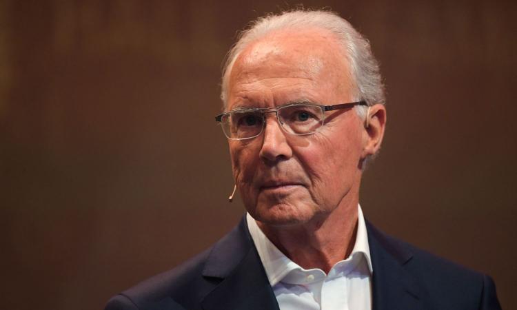 Beckenbauer: 'Ho avuto un infarto oculare, non ci vedo quasi più dall'occhio destro'