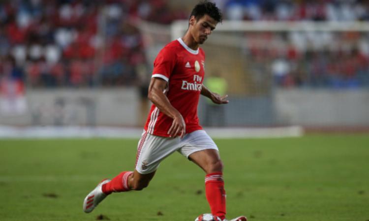 La Juve avrà Joao Ferreira nell'affare Perin: cifre alte per il terzino del futuro