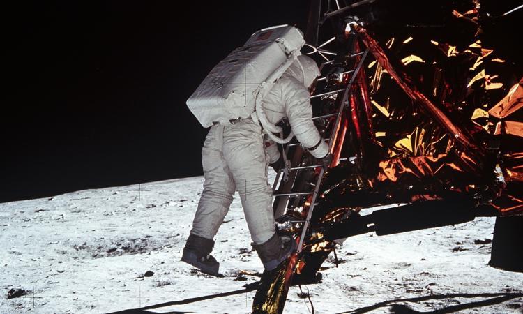 La Luna di Ormezzano: 'Io c'ero, vi racconto tutto: gli astronauti, i giornalisti, le donne e lo sport'