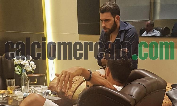L'agente di Correa e Zaracho a Milano: il Milan accelera