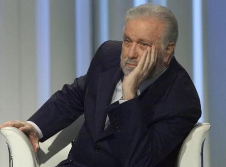 La Buonanotte di Bernardini: addio a De Crescenzo, filosofo amante di Sarri e Maradona. Quella notte a Napoli...