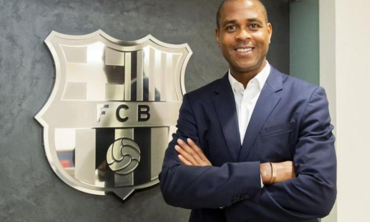 Barcellona, UFFICIALE: torna Kluivert