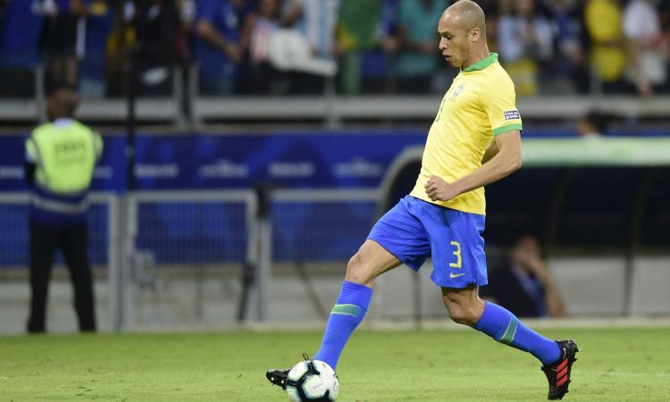 Brasile campione, Miranda: 'Finale dura, ma ce l'abbiamo fatta. A Lautaro dico che...'