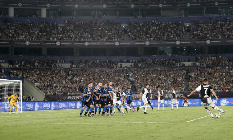 Falli di mano, calci di rigore e il 'caso Ronaldo': la Serie A sperimenta le nuove regole