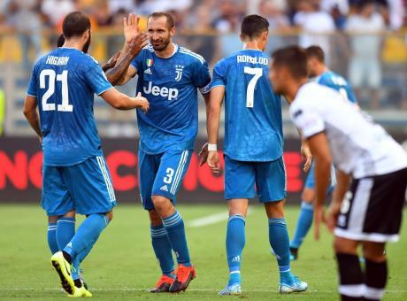 Juve, buona la prima: a Parma basta Chiellini, è 1-0