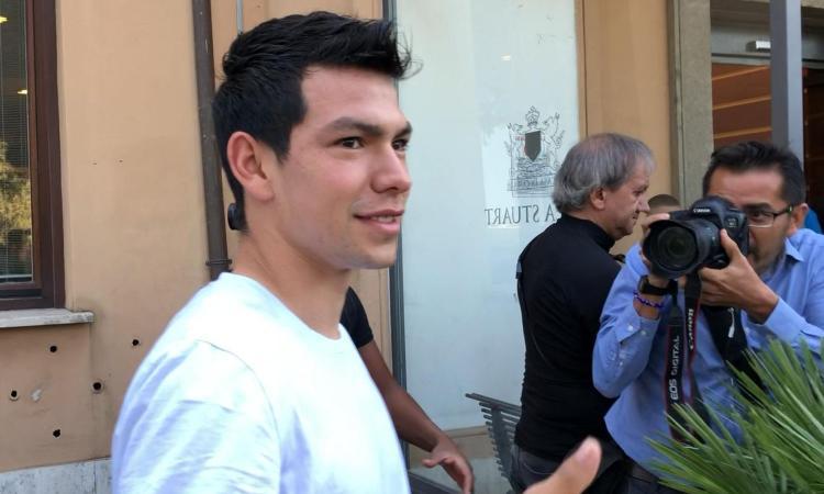 Napoli, primo giorno azzurro per Lozano: visite concluse, ora la firma