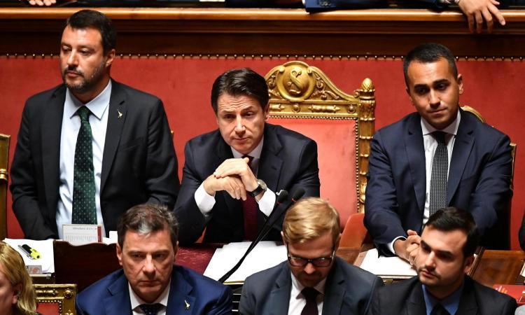 Il premier Conte al Senato: 'L'azione di governo si arresta qui, Salvini è un irresponsabile, mi dimetto'