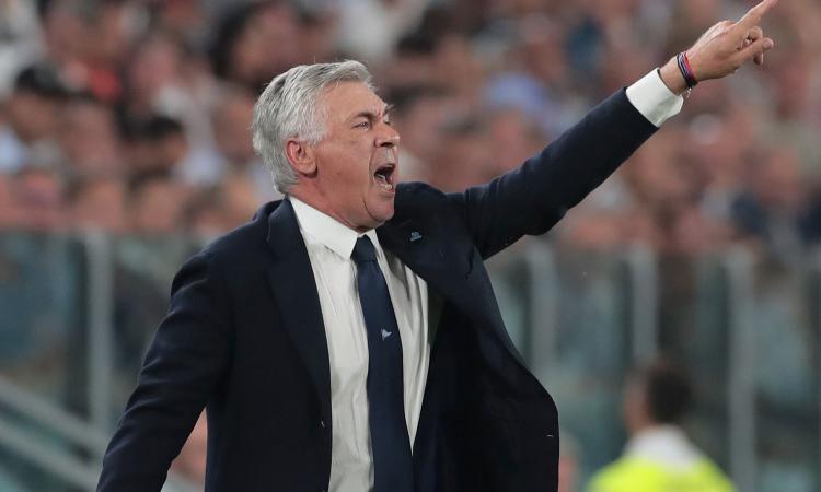 Napoli, visita a sorpresa di Ancelotti negli spogliatoi prima del comunicato