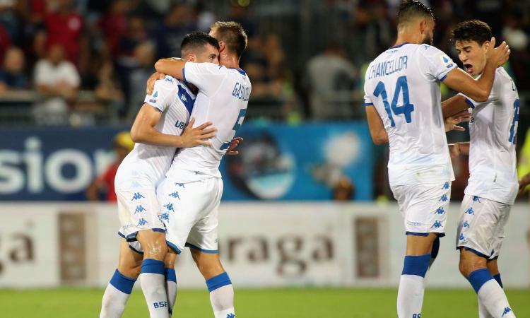 Aspettando Balotelli, c'è tanto Brescia: rovinata la festa del Cagliari. Ma se questi sono rigori...