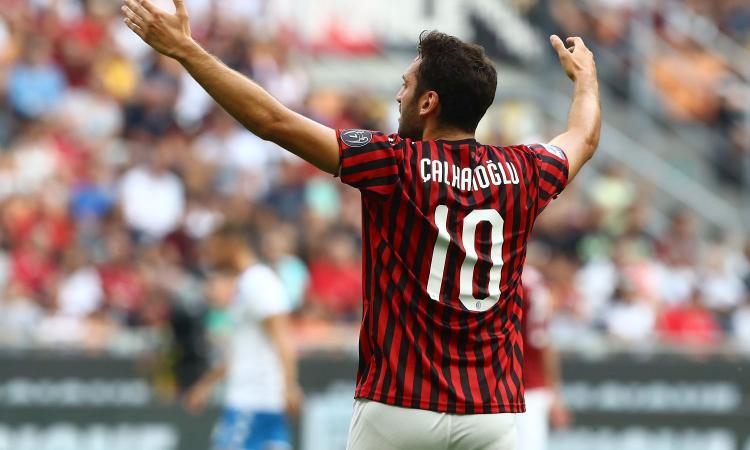 Milan, comunicazione importante all'agente di Calhanoglu