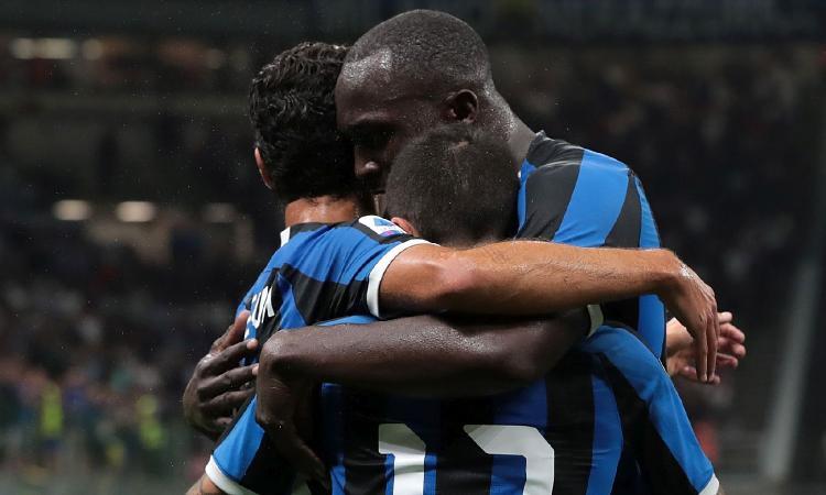 Inter, siparietto social. Lukaku e Padelli sfottono Sensi: 'Troppo piccolo per...'