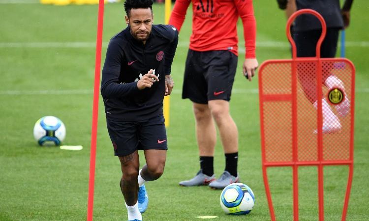 Caos Neymar, sprint Juve in Borsa
