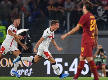 Gol, spettacolo e difese in difficoltà. Roma e Genoa pareggiano 3-3