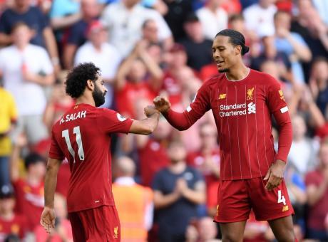 Premier League: 3-1 all'Arsenal con super Salah, Liverpool solo in vetta