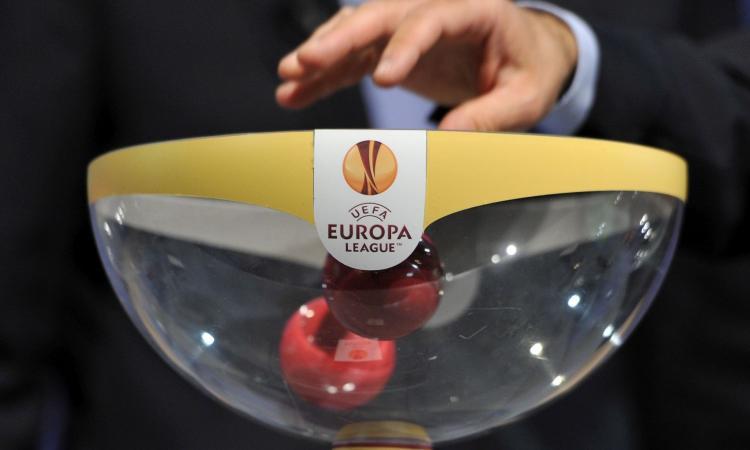 Europa League, il sorteggio degli ottavi: ecco chi possono pescare Milan e Roma, rischio derby