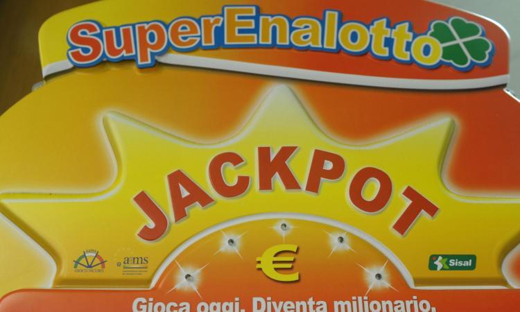 SuperEnalotto da record: a Lodi vinti 209 milioni con 2 euro giocati!