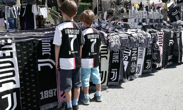 La denuncia: 'Chiesti 25 mila euro per strappare la procura di un ragazzino'