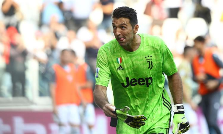 Ag. Buffon: 'Giusto tornare alla Juve. Futuro? Può giocare altri due anni, poi magari allenerà...'