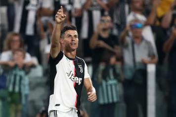 Cristiano Ronaldo indica Juve