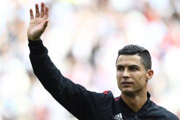 Ronaldo.Juve.saluto.2019.20.jpg GETTY IMAGES