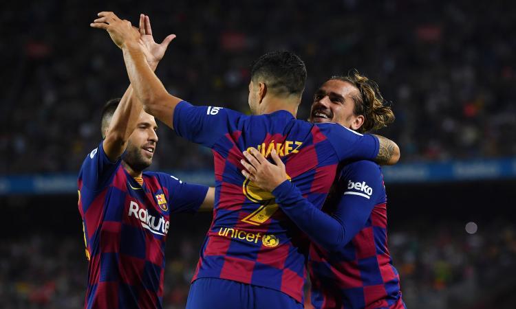 Liga: Benzema e Courtois rilanciano il Real, l'Atletico perde 2-0. Il Barcellona ne fa 5 al Valencia VIDEO