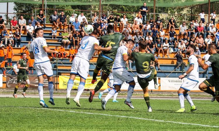 Brescia, prima gioia di Balotelli: gol al Frosinone di Nesta sotto gli occhi di Pirlo