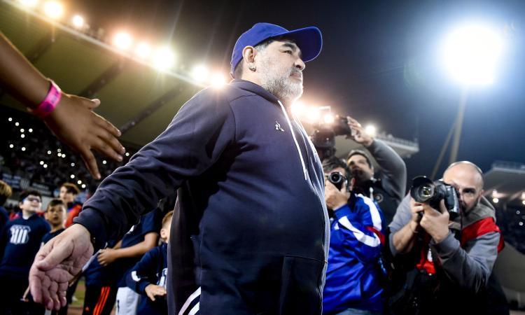 Addio Maradona: sarà seppellito oggi al 'Jardin de Bella ...