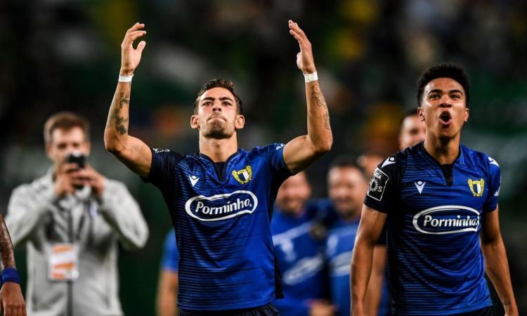 Momenti Di Gioia, Famalicao, dalla B a meglio di Benfica e Porto: 'sogno Leicester', ma c'è la mano di Mendes...