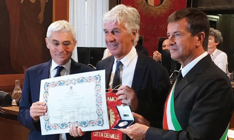 Atalanta, Gasperini cittadino onorario in lacrime: 'Il regalo più bello della mia vita' VIDEO