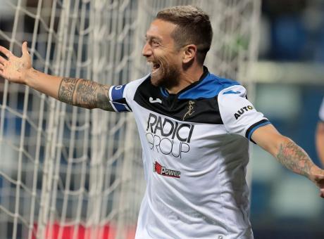 Un tifoso scrive a Gomez: 'Con la Juve non giocate mai!' Arriva la risposta