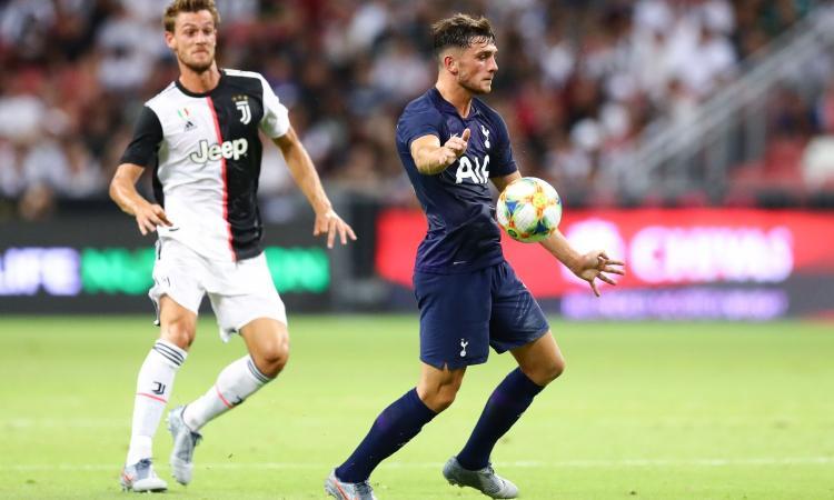 Somiglia a Keane, studia da Kane: il Tottenham si gode Parrott, la Juve lo osserva