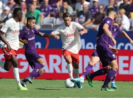 La Fiorentina domina ma non vince. Maglia e gioco, questa Juve sembra il Piacenza