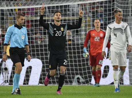 Super Gnabry non basta alla Germania: esce Dybala e l'Argentina fa 2-2