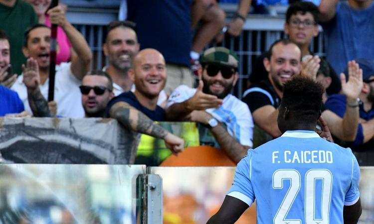 Lazio da scudetto: non soffre e vince anche a Parma, graziata due volte dall'arbitro