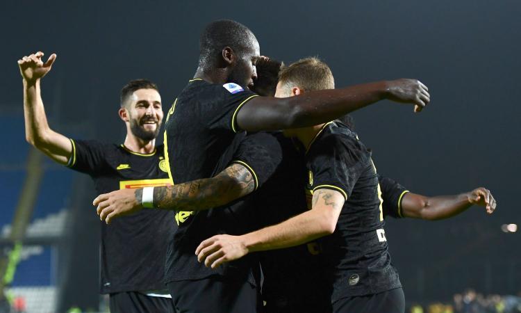 È l'anno dell'Inter, anche con il fiatone vince e va in vetta. Brescia, non cacciare Corini