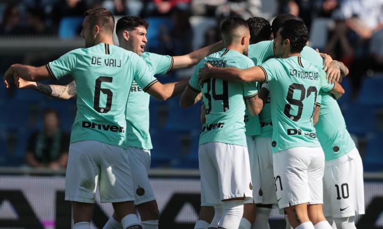 L'Inter dimentica la Juve e si porta a -1, ma che rischi col Sassuolo: 4-3, decide il 'Lu-La'