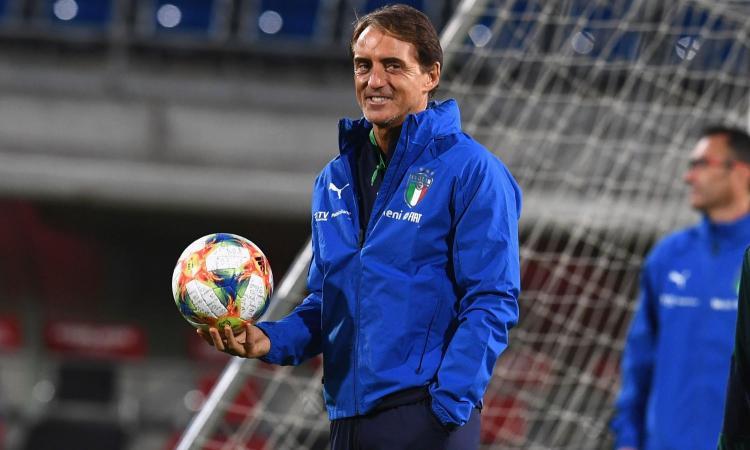 Mancini risponde a Conte: 'Sensi e Barella? Non avranno esperienza ma per me sono i migliori in Italia' VIDEO